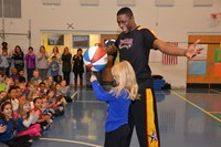 Harlem Wizards Entertain Westerville Students