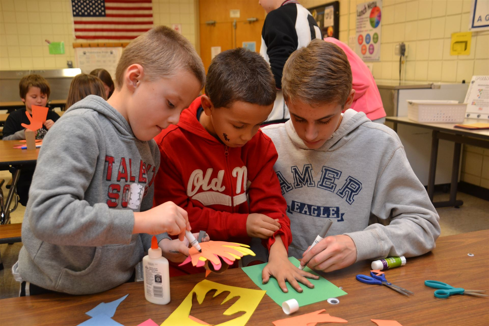 Blendon Honor Students Participate in Craft Club with Pointview Children