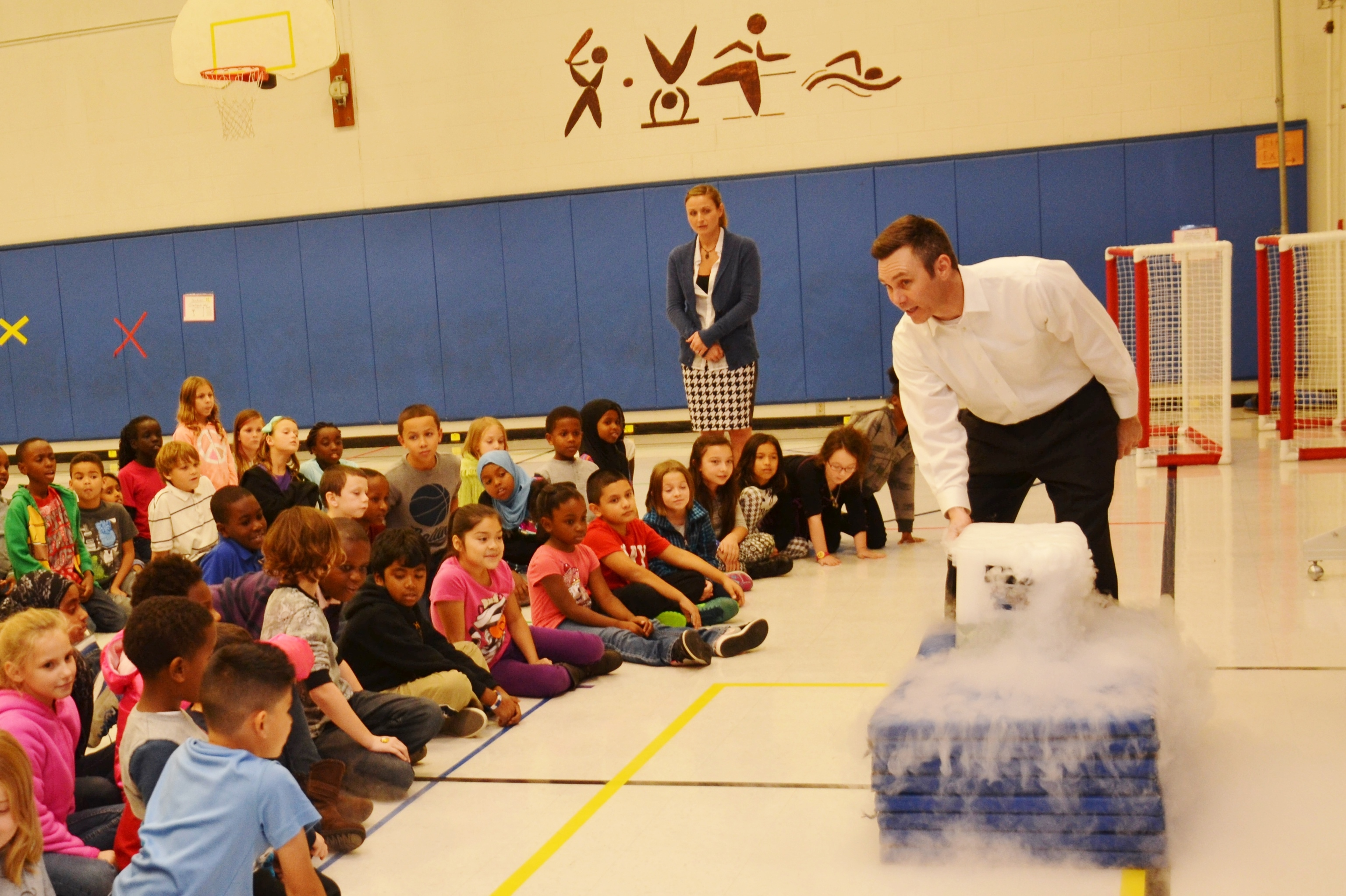 ABC 6/FOX 28 Meteorologist Bill Kelly Wows the Crowd at Pointview