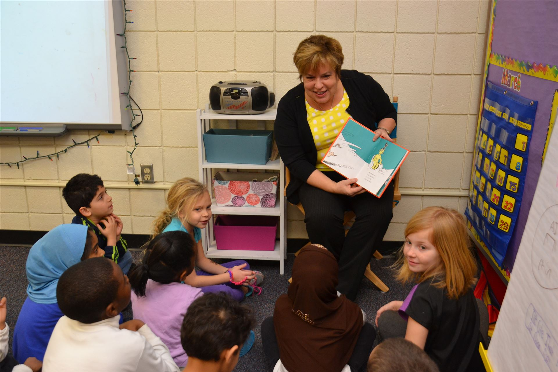 Guest Readers Converge at Pointview in Celebration of Right to Read Week