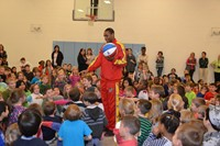 Harlem Wizards Play to Benefit English as a Second Language, Libraries for Liberia